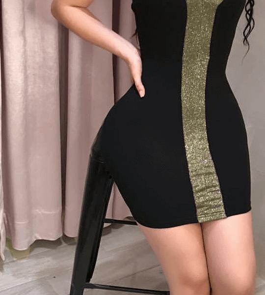 vestido ajustado aplique dorado